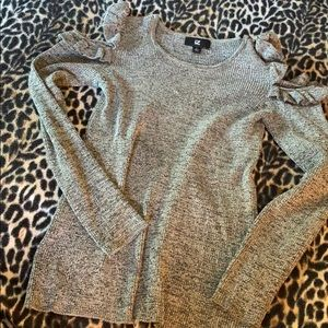 IZ Byer marbled black grey sweater ruffle shoulder